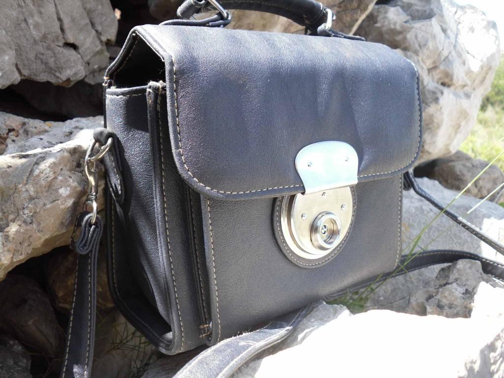 Petit sac carr vintage levidedressingdunechineuse - Vide dressing montpellier ...